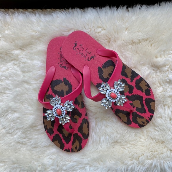 Pretty coral/pink sandals